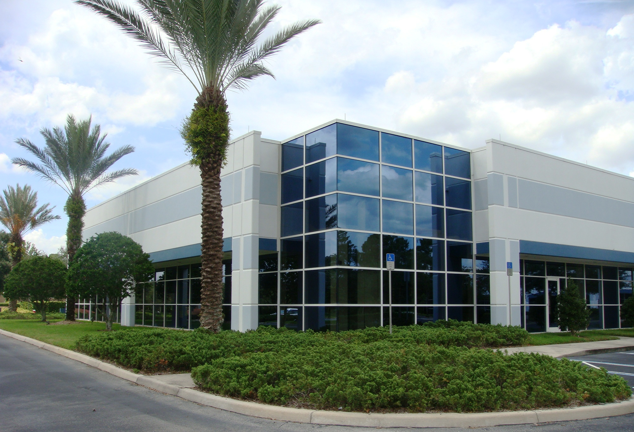 Lincoln Property Company Brokers URS Corp.'s 16,500-Square-Foot ...
